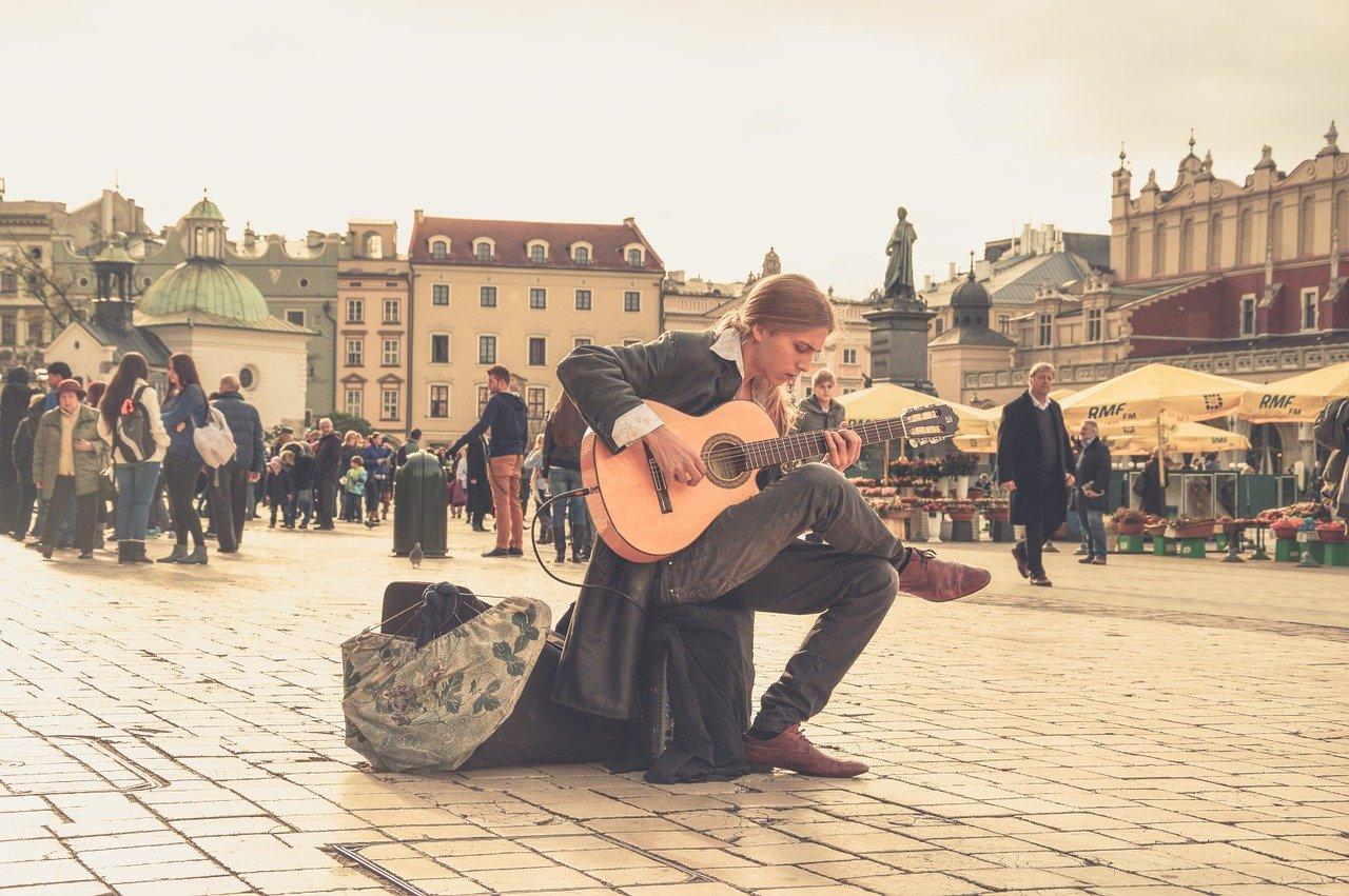 streets, people, music-1284394
